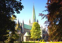 The Nidaros cathedral - Trondheim. | Copyright: alexpermyakov - fotolia.
