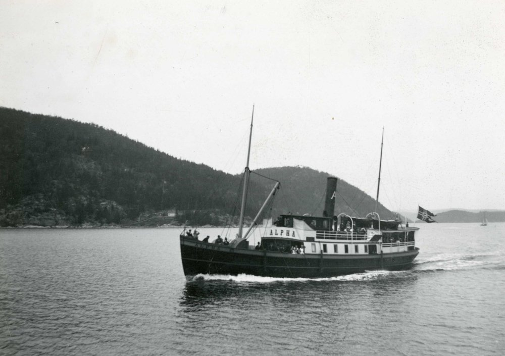 The ferry S/S Alpha. Built in 1863 at William Lindbergs mek. Verkstad (Södra Varvet) Stockholm. In use between 1863 and 1967. | Photo: Norsk Maritimt Museum - digitaltmuseum.no NSM.2100-473 - public domain.