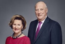 King Harald and Queen Sonja of Norway in 2016. | Photo: Jørgen Gomnæs - Det kongelige hoff.