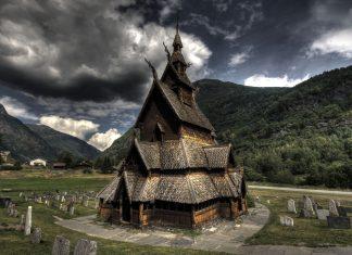 Borgund stave church in Lærdal, Sogn og Fjordane, Norway. Built sometime between 1180 and 1250 AD.   Photo: Oliver Webb - adobe stock - copyrighted.