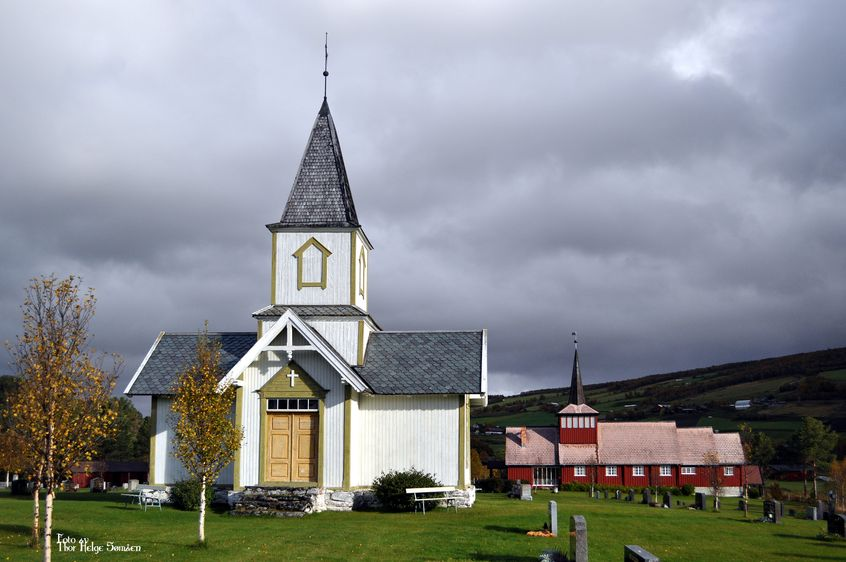 Dalsbygda chapel and church - Os, Hedmark. | Photo: Thor Helge Sømåen - kulturminnesok.no - CC-BY.