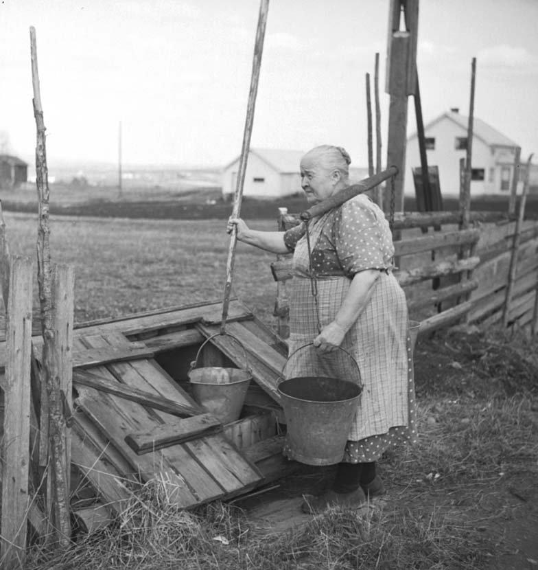Old norwegian women