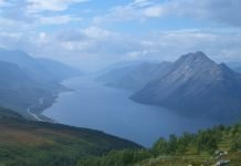 Langfjorden - in Alta, Finnmark, Norway - as seen from mount Áilegas. | Photo: HenrikJ - wikimedia - cc by.