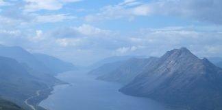 Langfjorden - in Alta, Finnmark, Norway - as seen from mount Áilegas. | Photo: HenrikJ - wikimedia - cc by.