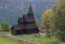 Urnes stave church in Luster, Sogn og Fjordane, Norway. Estimated built around 1140. | Photo: Harald Ibenholt - kulturminnebilder.ra.no T284_01_0787 - CC BY.