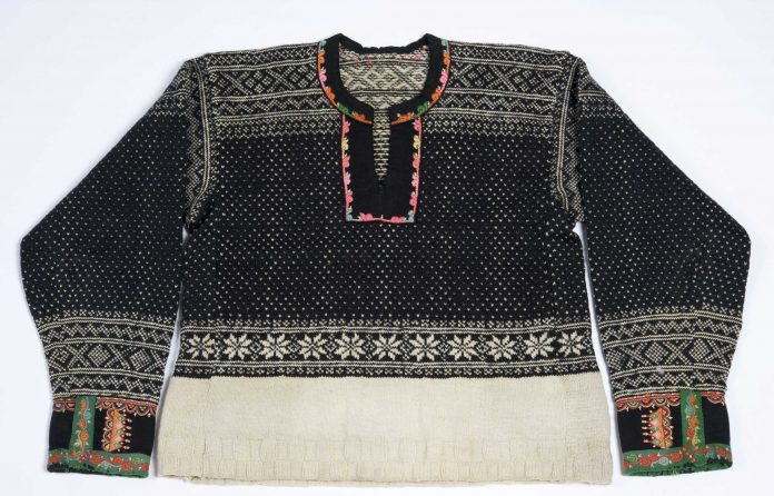 A sweater from Setesdal, Agder, Norway - with a typical local pattern. | Photo: Anne-Lise Reinsfeldt Norsk Folkemuseum - digitaltmuseum NF.1956-0070 - cc by-sa.