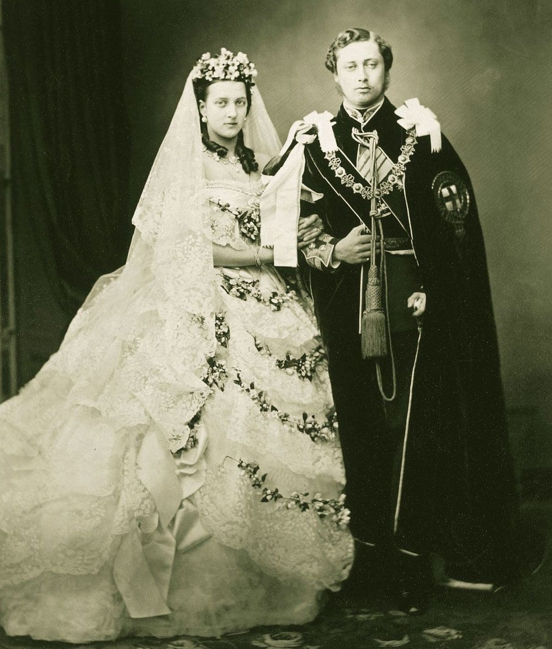 Edward and Alexandra - the Prince and Princess of Wales in 1863. | Photo: John Jabez Edwin Mayal  - wikimedia cc pdm.