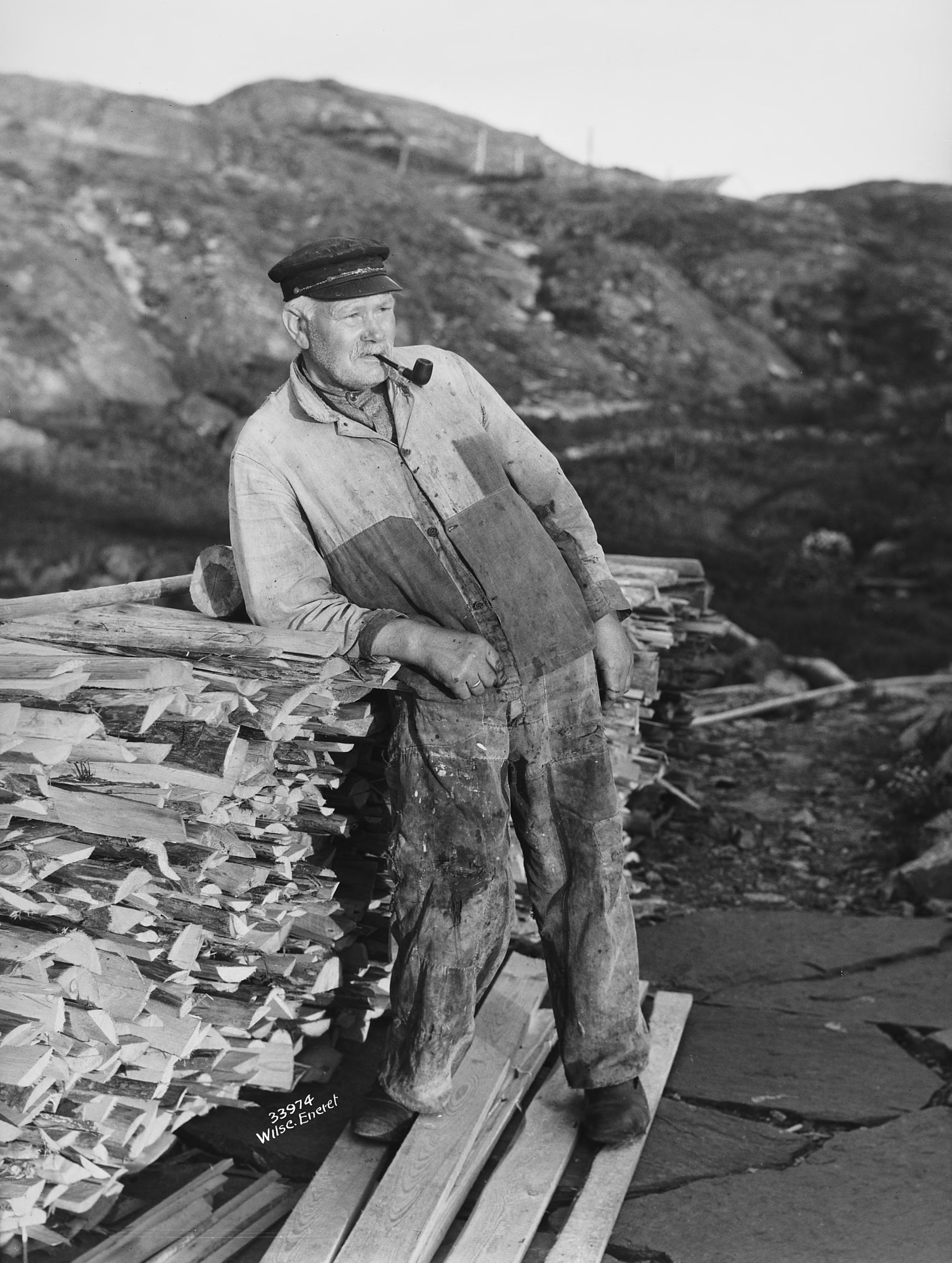 The coastal pilot - los - Anton Arentsen from Ramsøya, Lillesand, Agder, Norway - in 1929. | Photo: Anders Beer Wilse - Norsk Folkemuseum cc pdm.
