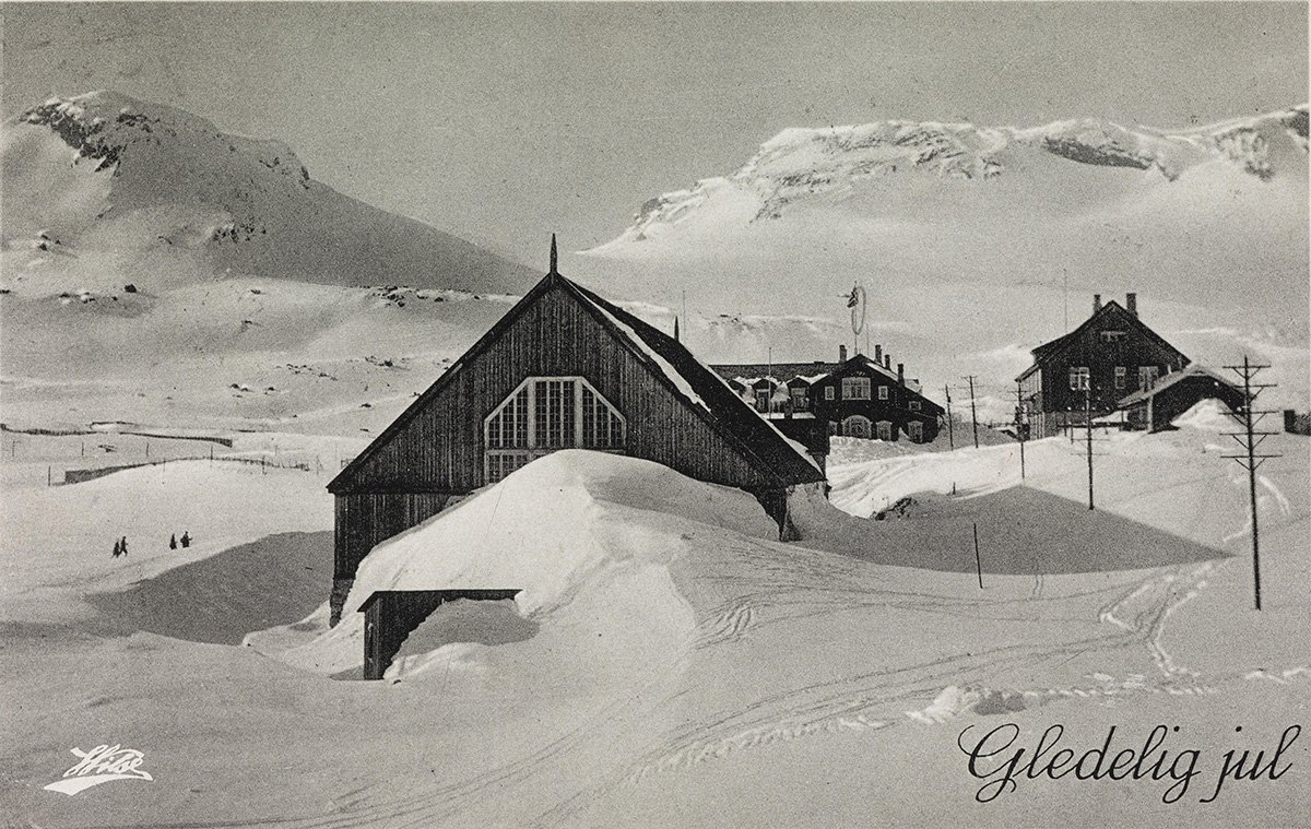 Christmas at Finse, Ulvik, Hordaland, Norway in 1913. | Photo: Anders Beer Wilse - Alex Vincent nb.no cc pdm.