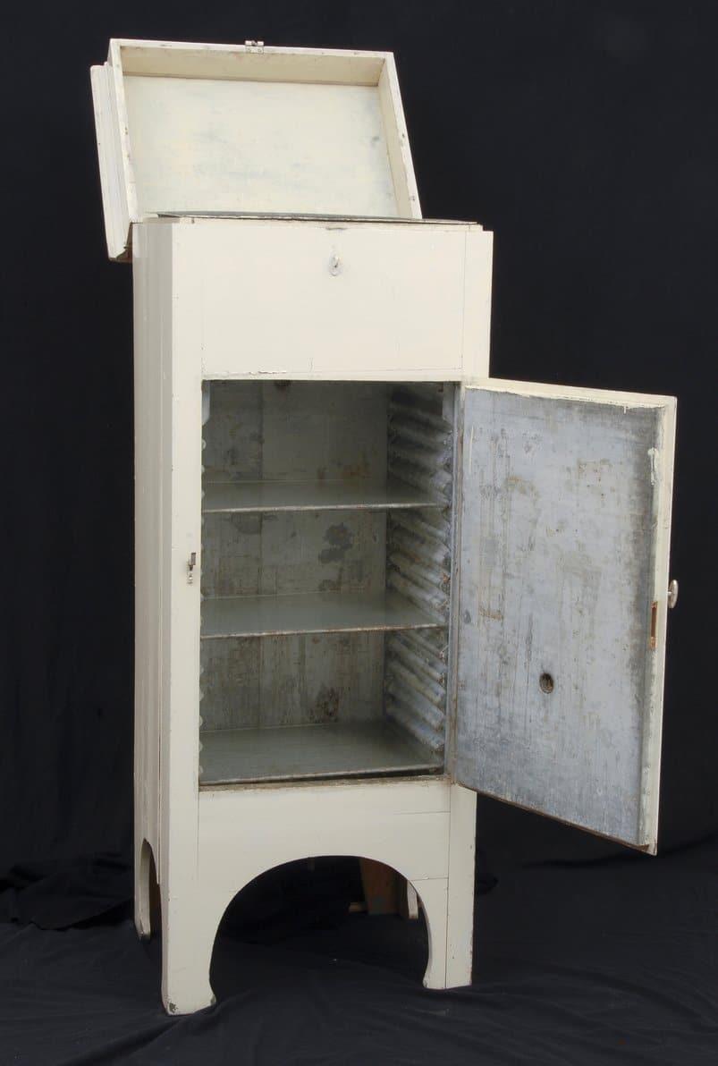 Ice closet. | Photo: Mekonnen Wolday - Larvik Museum cc by-sa.